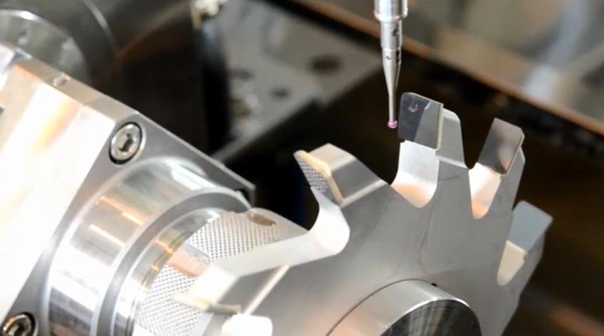 FANUC ROBOCUT α - Austasten und Bearbeiten von PKD-Werkzeugen