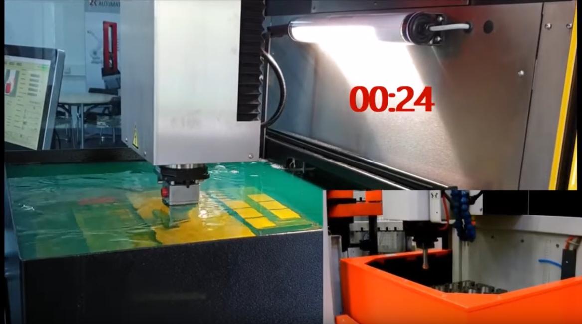 ZK - Kürzeste Funke zu Funke Zeit durch einen 4 seitig geschlossenen Arbeitstank